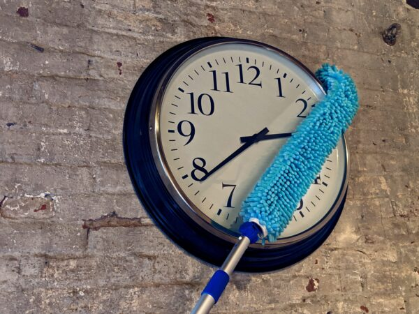 Dusting Wand clock